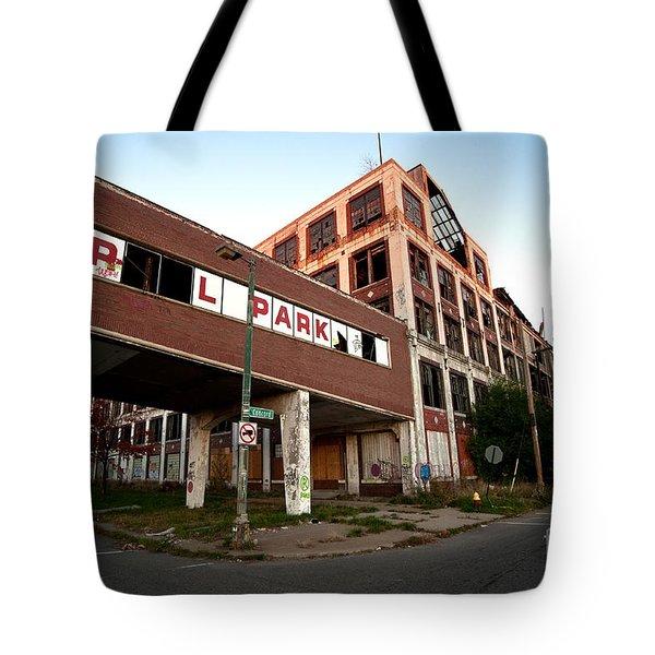 Tr L Park Tote Bag