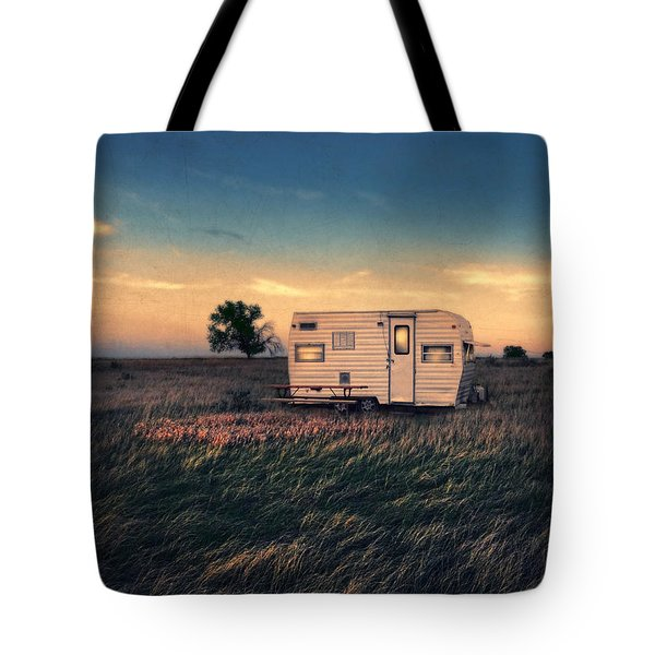 Trailer At Dusk Tote Bag by Jill Battaglia