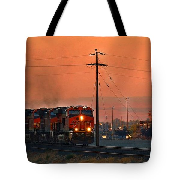 Tote Bag featuring the photograph Train Coming Through by Lynn Hopwood