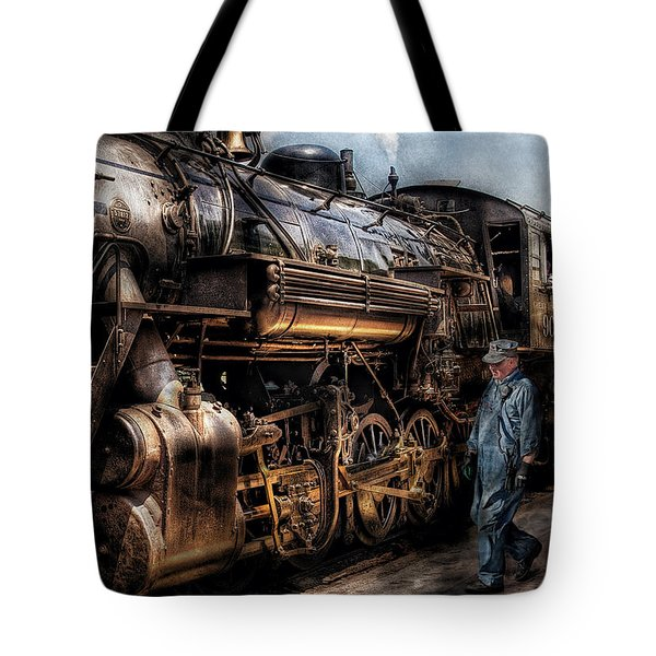 Train - Engine -  Now Boarding Tote Bag
