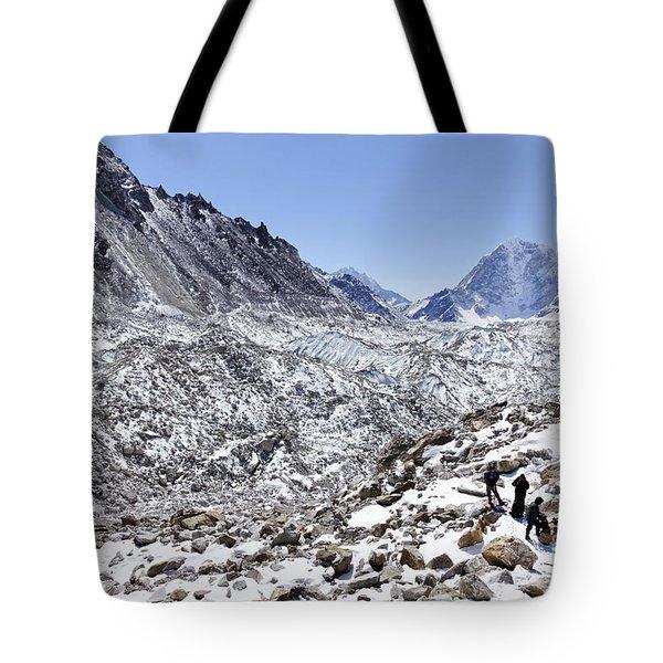 Trekkers En Route To Everest Base Camp In The Everest Region Of Nepal Tote Bag by Robert Preston