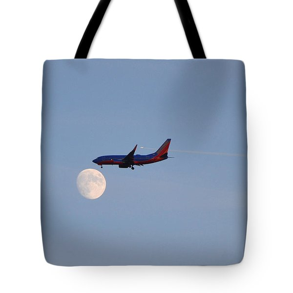 Tote Bag featuring the photograph Southwest Airlines Flies To The Moon by Kelly Reber