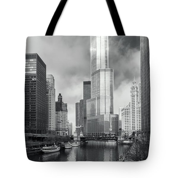 Tote Bag featuring the photograph Trump Tower In Chicago by Steven Sparks