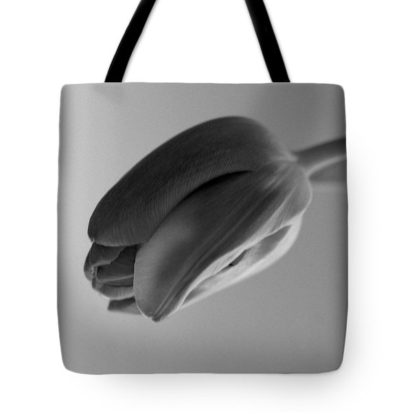 Tulip Tote Bag by Simone Ochrym
