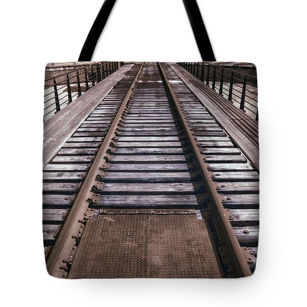 Turntable Waiting Tote Bag