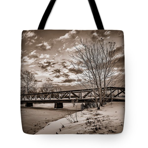 Twilight Bridge Over An Icy Pond - Bw Tote Bag