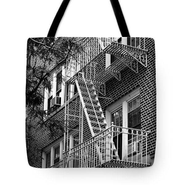 Typical Building Of Brooklyn Heights - Brooklyn - New York City Tote Bag