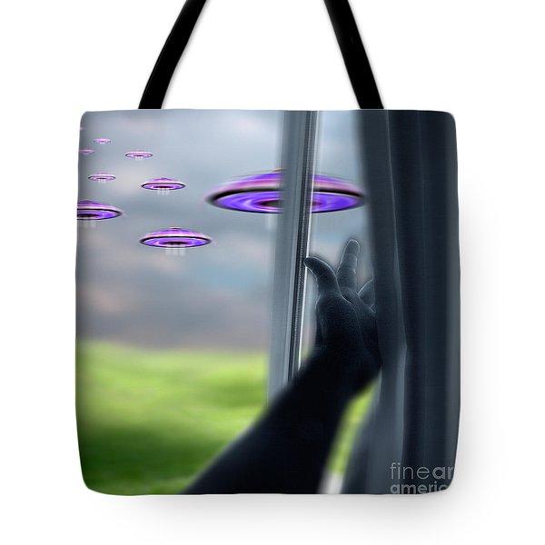 Ufos Tote Bag