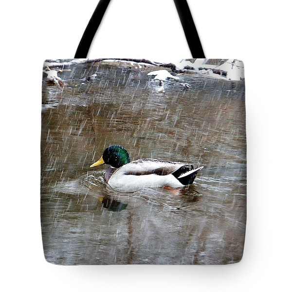 Un Froid De Canard Tote Bag
