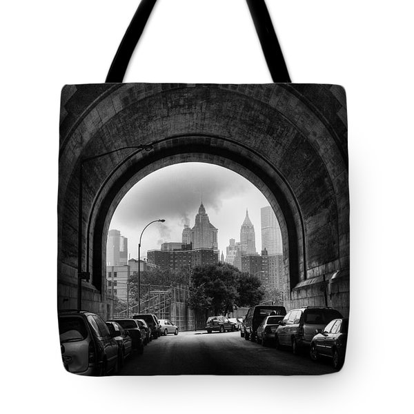 New York City - Manhattan Bridge - Under Tote Bag