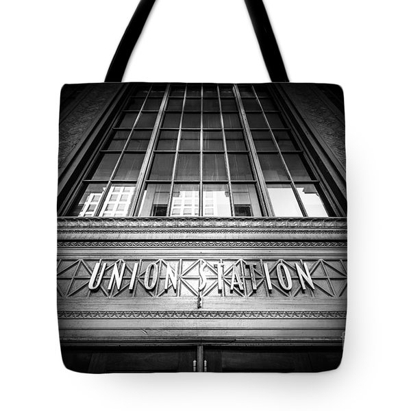 Union Station Chicago In Black And White Tote Bag by Paul Velgos
