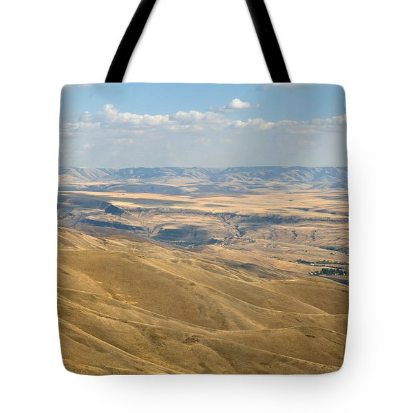 Tote Bag featuring the photograph Valley View by Mark Greenberg