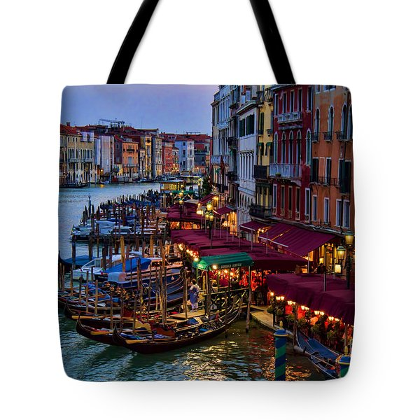 Venetian Grand Canal At Dusk Tote Bag by David Smith