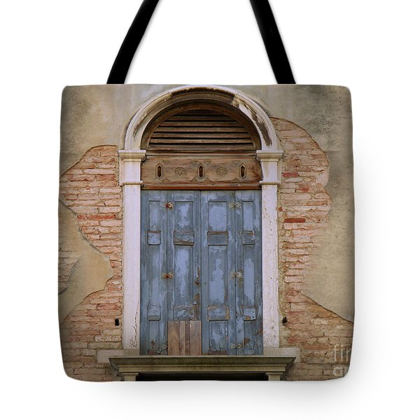 Venice Arched Bblue Shutters Horizontal Tote Bag
