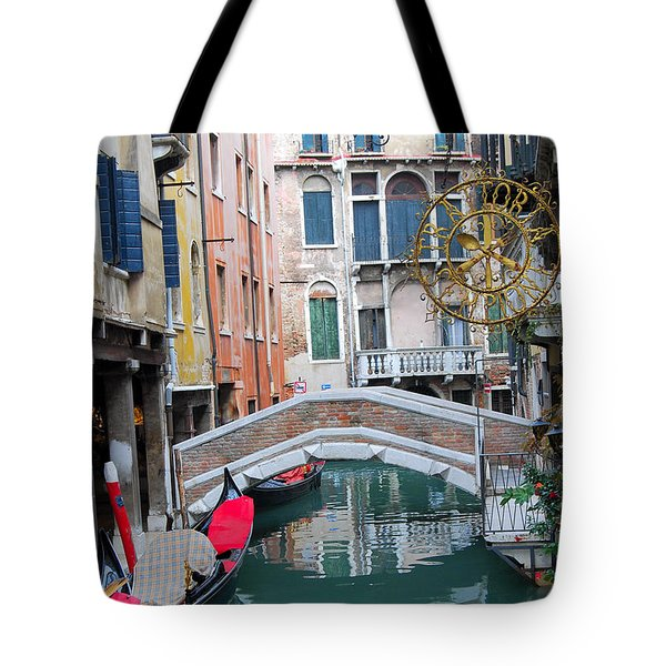 Venice Canal And Buildings Tote Bag by Eva Kaufman
