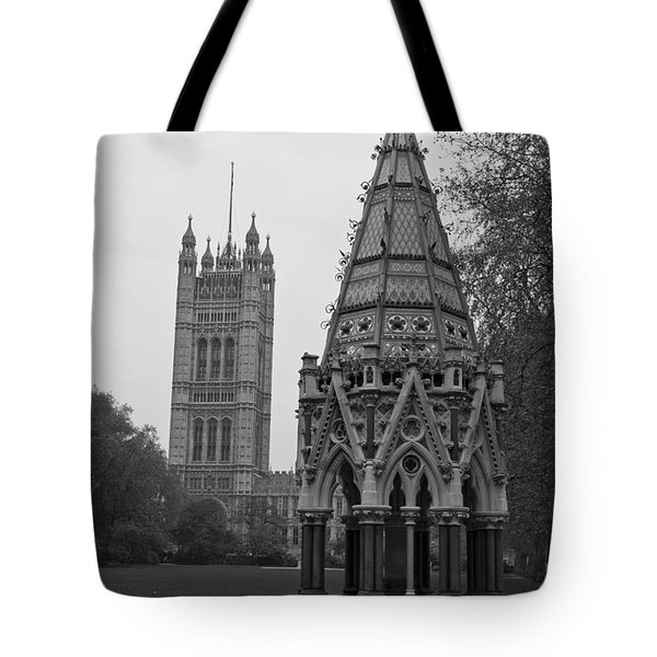 Tote Bag featuring the photograph Victoria Tower Garden by Maj Seda