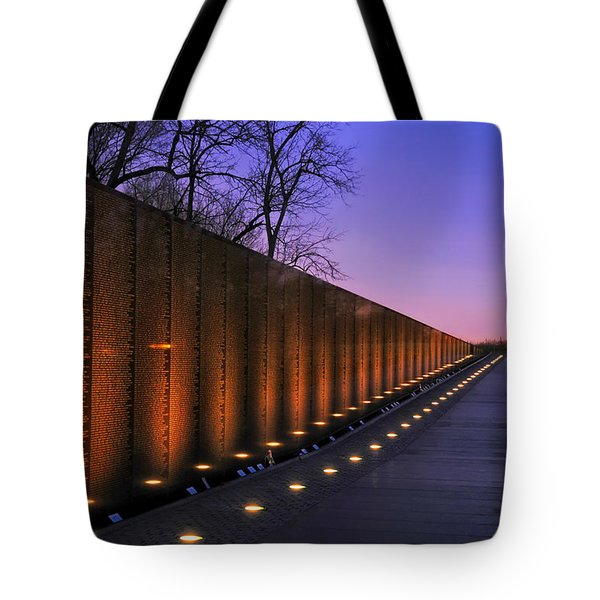Vietnam Veterans Memorial At Sunset Tote Bag