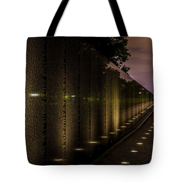 Vietnam Veterans Memorial Tote Bag