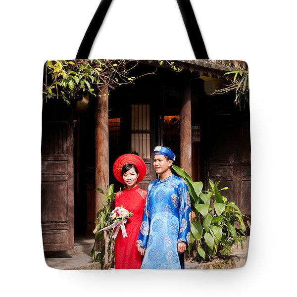 Vietnamese Wedding Couple 01 Tote Bag