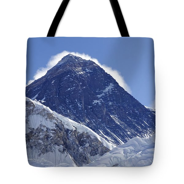View Of Mount Everest From The Summit Of Kala Pathar In The Everest Region Of Nepal Tote Bag by Robert Preston