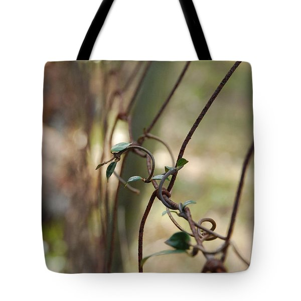 Vine On Rusted Fence Tote Bag