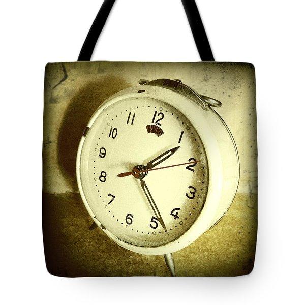 Vintage Clock Tote Bag by Les Cunliffe