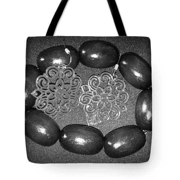 Vintage Night Out Tote Bag by Catherine Ratliff