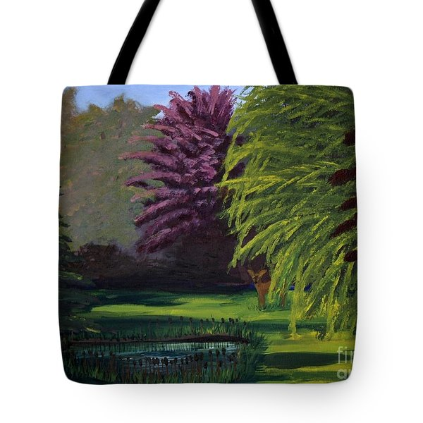 Visitor To The Backyard Pond Tote Bag by Vicki Maheu