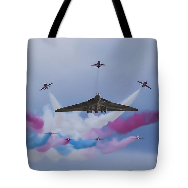Vulcan Xh558 And The Red Arrows Tote Bag