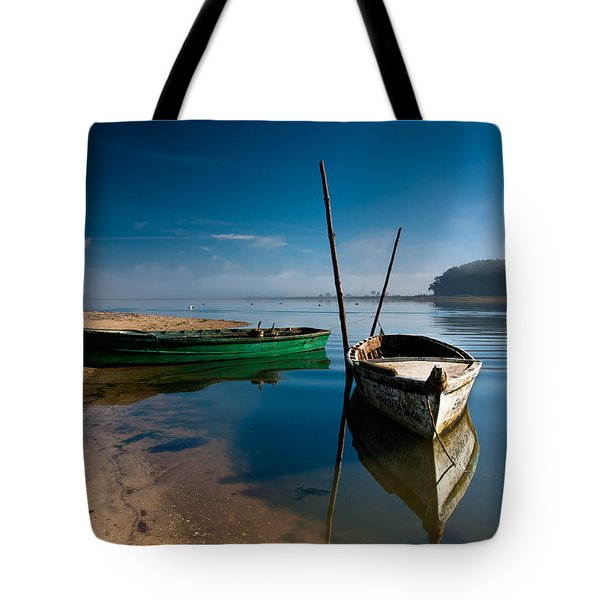 Tote Bag featuring the photograph Waiting by Edgar Laureano