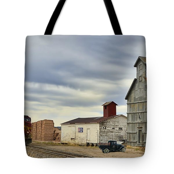Warbonnet Passing The Grain Elevator Tote Bag by Ken Smith