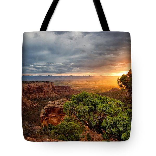 Warm Glow On The Monument Tote Bag