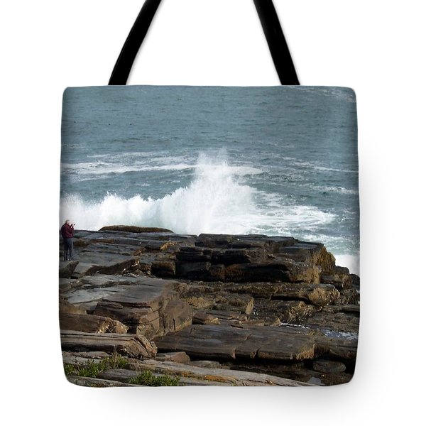 Wave Hitting Rock Tote Bag