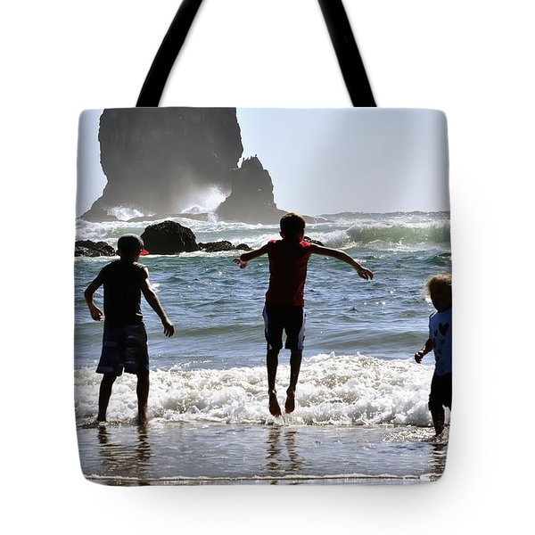 Wave Jumping 25614 Tote Bag