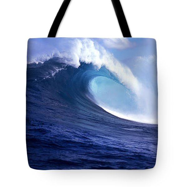 Waves Splashing In The Sea, Maui Tote Bag