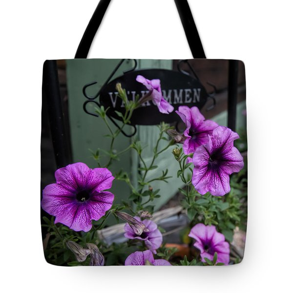 Welcome Tote Bag by Leif Sohlman