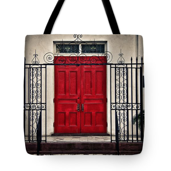 Tote Bag featuring the photograph Welcome by Linda Blair