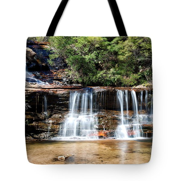 Tote Bag featuring the photograph Wentworth Falls by Yew Kwang