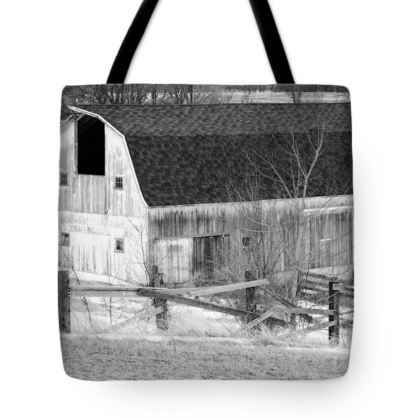 Western New York Farm 1 In Black And White Tote Bag by Tracy Winter