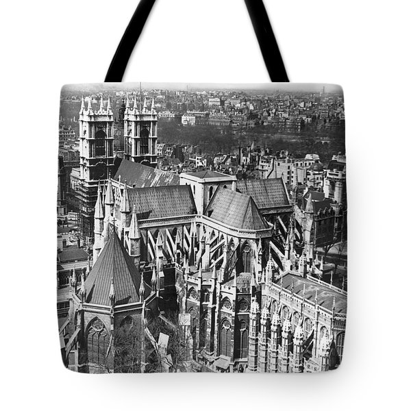 Westminster Abbey In London Tote Bag by Underwood Archives