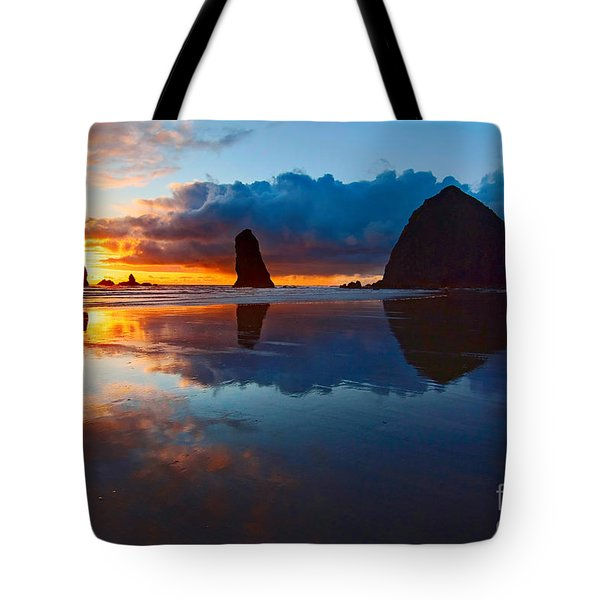 Wet Paint - Sunset In Oregon Tote Bag by Jamie Pham
