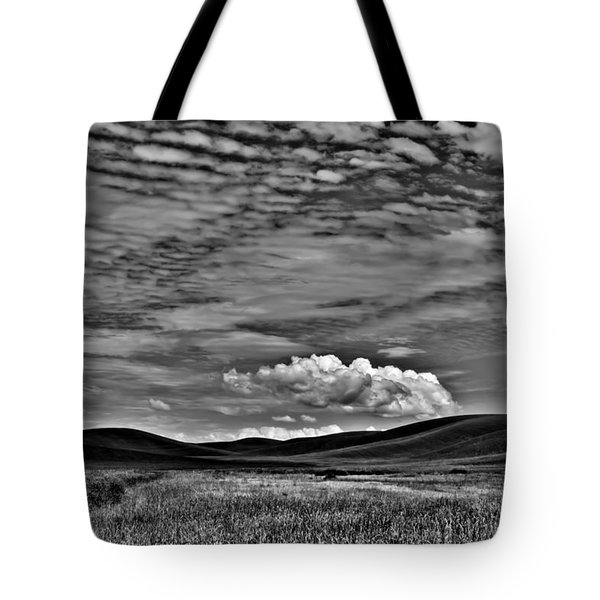 Wheat Fields In The Palouse Tote Bag by David Patterson