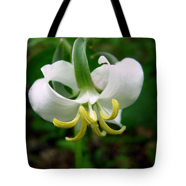 White Flowering Rose Trillium Tote Bag