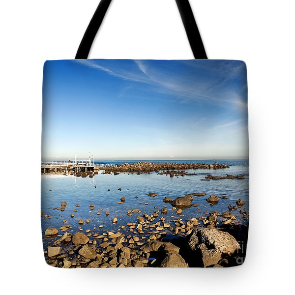 Tote Bag featuring the photograph Williamstown Beach by Yew Kwang