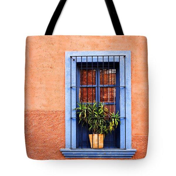 Window In San Miguel De Allende Mexico Square Tote Bag