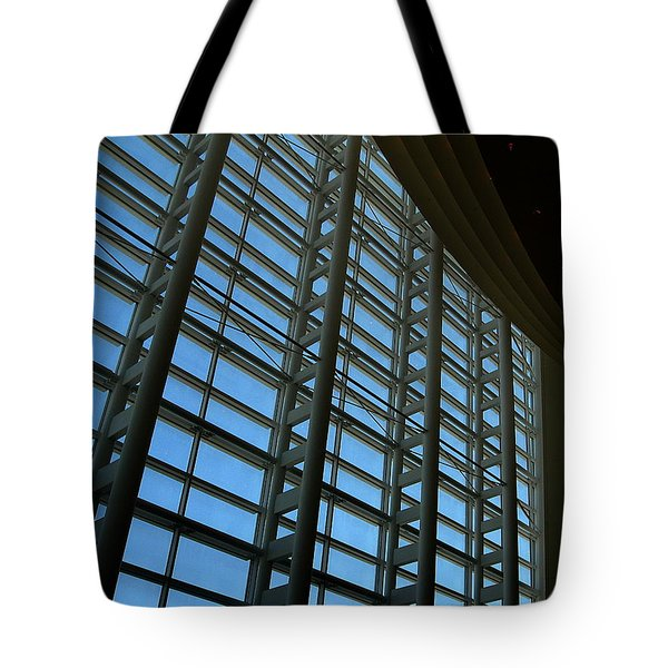 Window Wall At The Adrienne Arsht Center Tote Bag