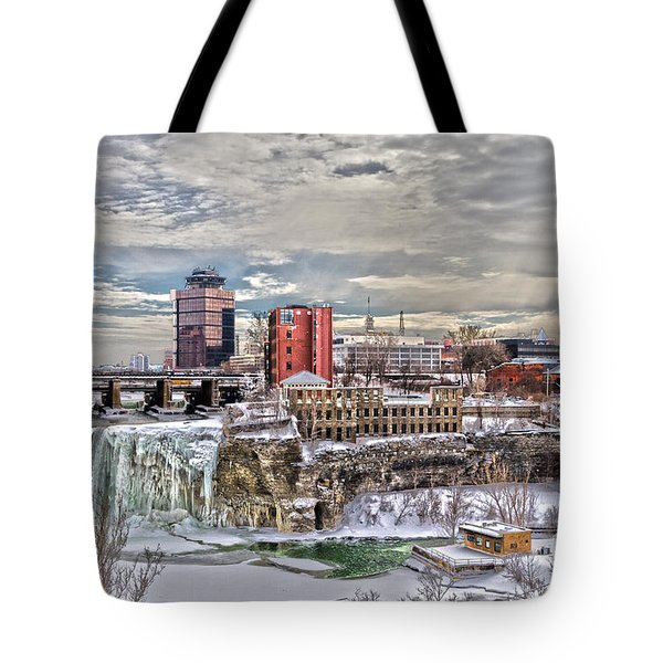 Tote Bag featuring the photograph Winter In Rochester by William Norton
