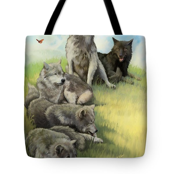 Wolf Gathering Lazy Tote Bag