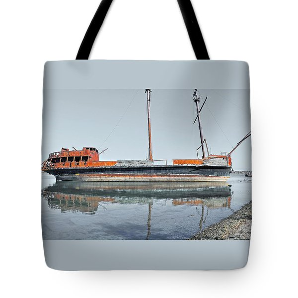 Wreck Reflection Tote Bag