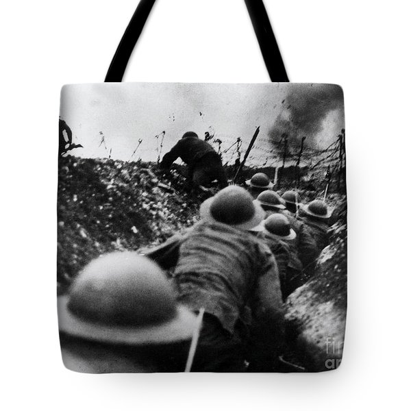 Wwi Over The Top Trench Warfare Tote Bag by Photo Researchers
